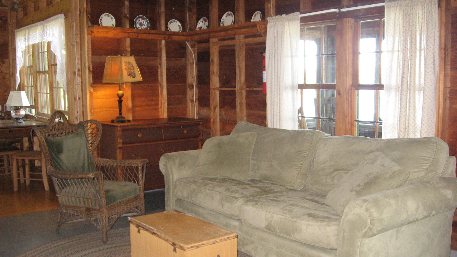 Pine Lodge: Living Room